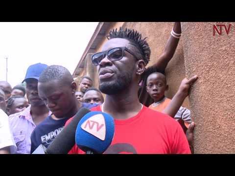 Poliisi ekubye ttiyaggaasi mu ba Bobi Wine e Kamwokya