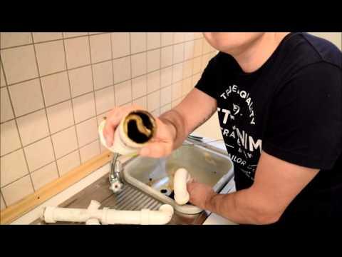 Abfluss, Sifon in der Spüle ausbauen und Verstopfung beseitigen