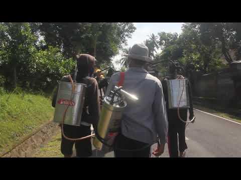 Stt-Budi-Pawerti-Stiti--Penyemprotan-Desinfektan-di-Wilayah-Desa-Bongkasa.html