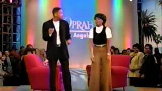 Will Smith teaches Oprah how to do the Men In Black Dance Late 90's