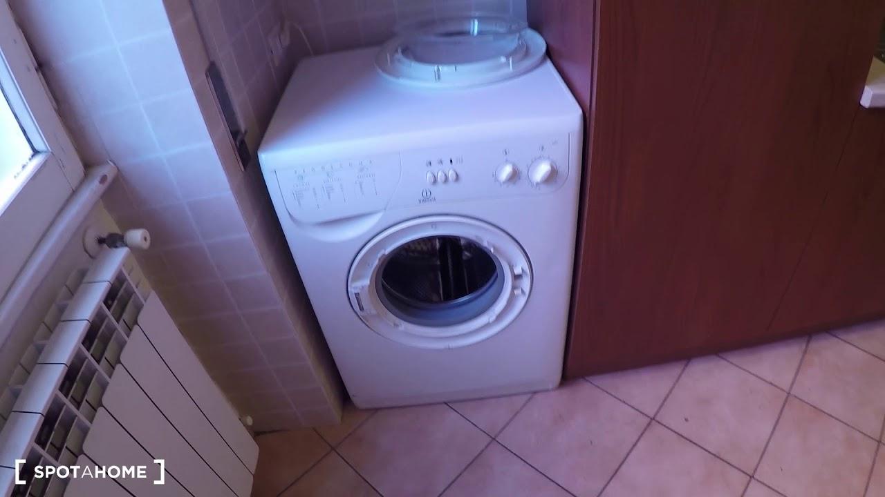 Camere in affitto in soleggiato appartamento con 2 camere for Barcellona affitto appartamenti economici