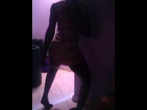 Wild ass shaking batttle in underground twerking - 18+!