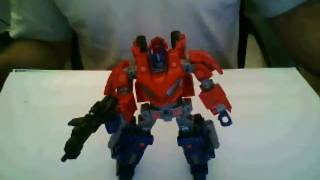 preview picture of video 'ביקורת רובוטריקים על -Transformers review - WFC Optimus Prime'