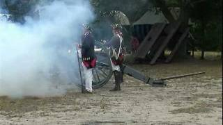 preview picture of video 'American Revolutionary War Re-enactors - 1776 -  Artillery Cannon Corunna Owosso Michigan Video #2'