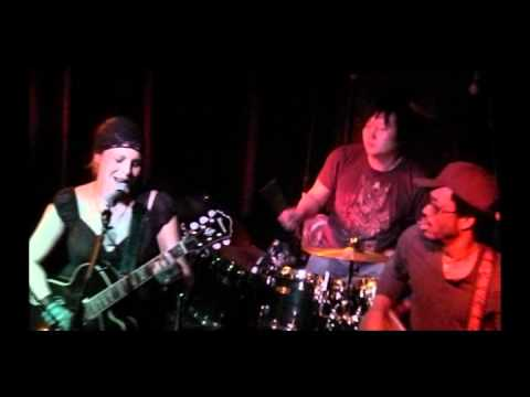 "Reinventing Jude - ""Burn"" - Live @ Liquid Lounge 03/05/2011"