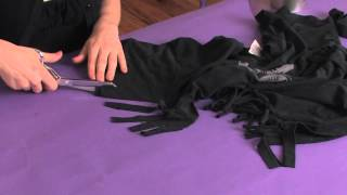 How To Cut Fringes On The Sleeve Of A T-Shirt : Shirt Modifications