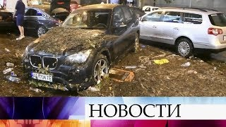 В Киеве ликвидируют последствия ливня, который привел к затоплению целых районов.