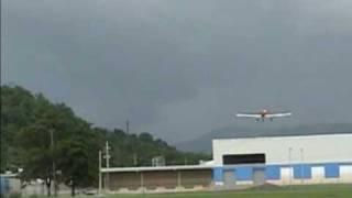 preview picture of video 'Robin Cole  Paseo y Aterrizaje Perfecto En La Atunera  Hormigueros RC Club'
