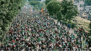 LUAR BIASA! Ribuan Bonek Sambut Kemenangan Persebaya Juara Liga 2