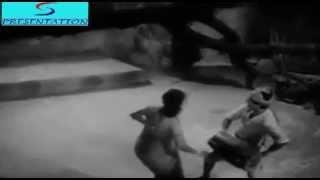 Hariyala Sawan Dhol Bajata Aaya - Lata Mangeshkar, Manna