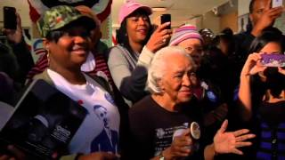 """John Legend Sings """"Wake Up Everybody"""" With Voters in Cleveland"""