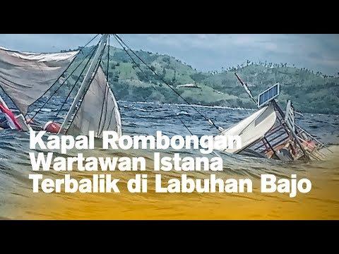Kapal Rombongan Wartawan Istana Terbalik di Labuhan Bajo