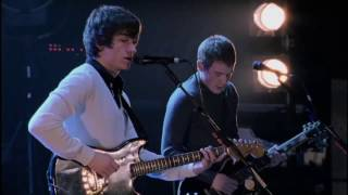 Arctic Monkeys - Nettles @ The Apollo Manchester 2007 - HD 1080p