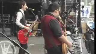 Presentación - División Minúscula en el Vive Latino 07 - Cursi