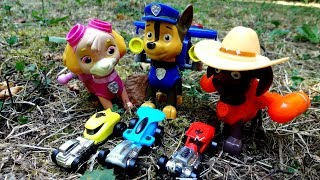 Щенячий Патруль и игрушечные машинки в подарок. Видео с игрушками