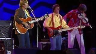 John Denver & Nitty Gritty Dirt Band – Thank God I'm A Country Boy (Live at Farm Aid 1985)