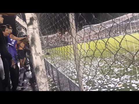 """""""Es para vos danu botón + gol - Defensor Cruzeiro"""" Barra: La Banda Marley • Club: Defensor"""