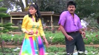Vayasu Vayasu Song Lyrics from Gang Leader  - Chiranjeevi