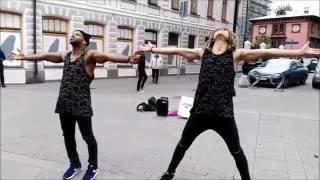 Уличные танцы ~ Парни устроили прикольное шоу 2016