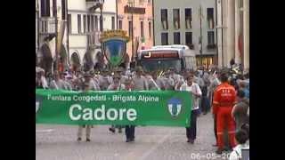 preview picture of video 'Fanfara Congedati Brigata Cadore, Belluno 2004 -'