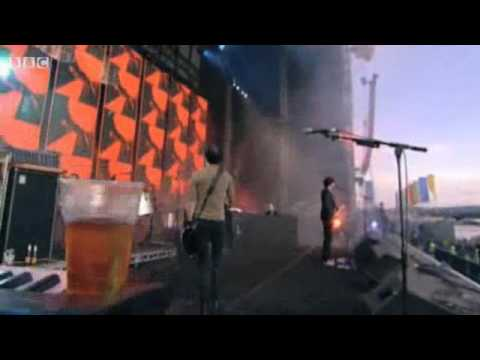 Snow Patrol - Crack The Shutters (T In The Park 2009)