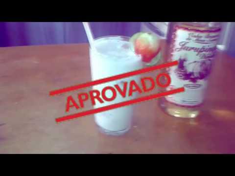 como fazer BATIDA Jurupinga com morango/ Preto Na Cozinha/juruloka/carnaval#4
