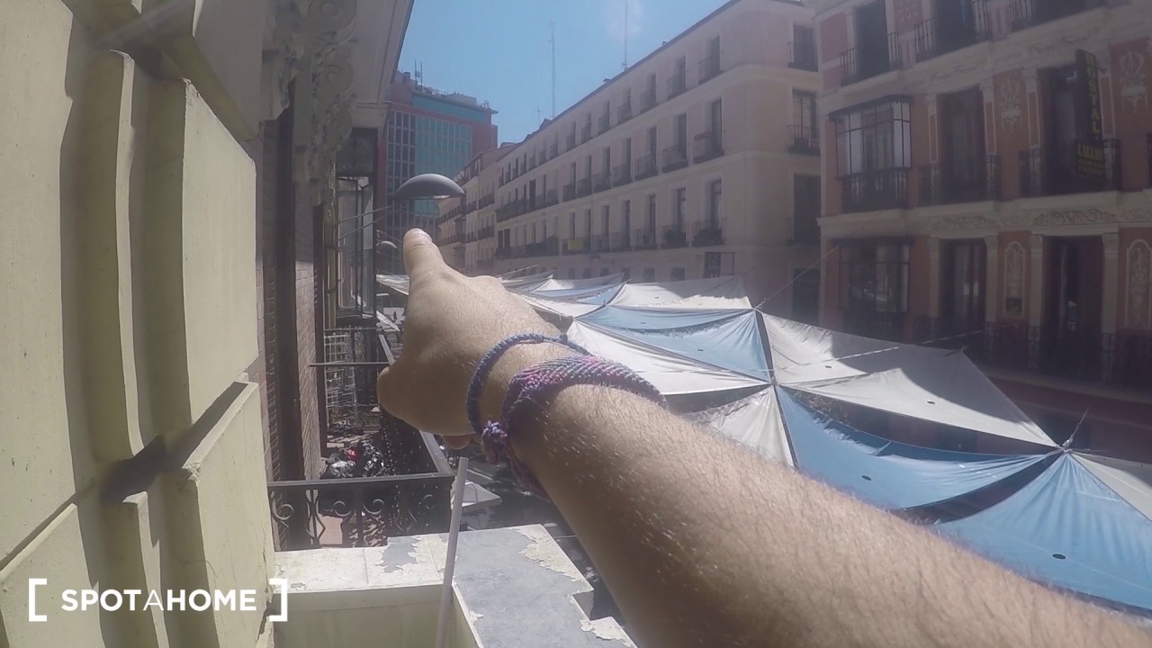 Furnished room with window view interior patio in shared apartment, Gran Via
