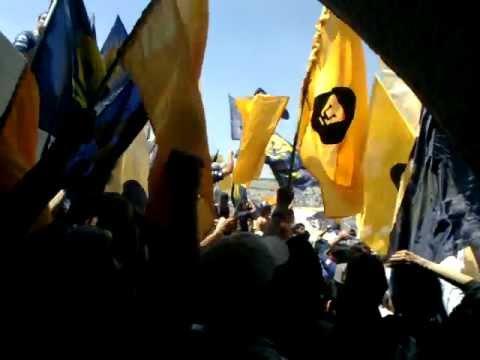 """OJITOS MENTIROSOS - REBEL"" Barra: La Rebel • Club: Pumas"