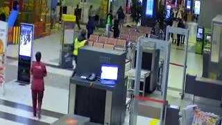 Мужчина въехал в терминал аэропорта в Казани