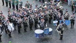 preview picture of video 'Schützenfest Paderborn: Großer Zapfenstreich vor dem Historischen Rathaus'