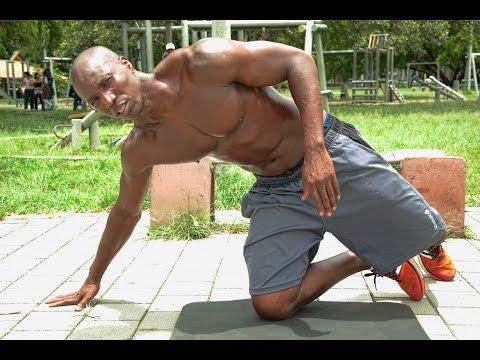 El complejo de los ejercicios el gimnasio para el adelgazamiento