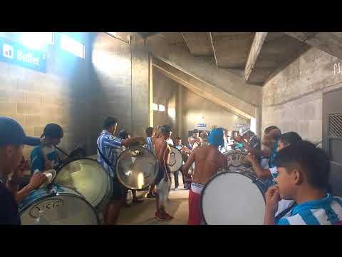 """""""Percusión De La Hinchada De Gimnasia Y Esgrima De Jujuy"""" Barra: La Banda de la Flaca • Club: Gimnasia y Esgrima Jujuy"""