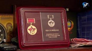 Глава Севастополя поздравил ветерана Александра Петровича Попова с 75-летием освобождения города-героя