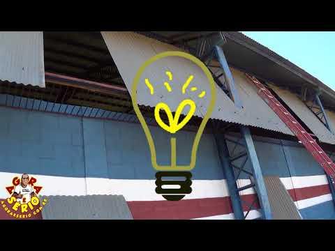 Divisão de Esportes recoloca as telhas de zinco no Barracão