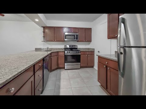 A 3-bedroom #309 in Hoffman Estates at Barrington Lakes
