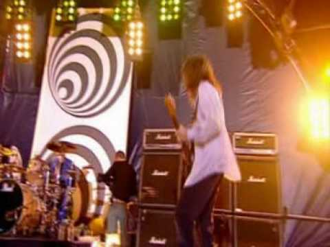 Red Hot Chili Peppers - Give it Away (TOTP Concert)