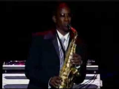 "Isaac - ""Hot Saxophone"" Solo at the Vibe Awards"