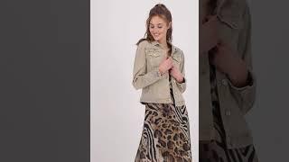 Vorschau: Jeansjacke mit Schmucksteinen und Glitzer