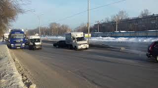 Маршрутка №35 попала в аварию — есть пострадавшие