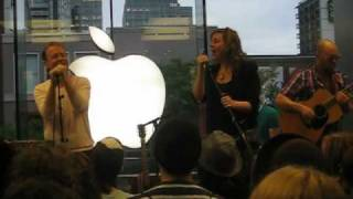 Stars - On Peak Hill (live at the Apple Store in Montreal, 30/05/2010)