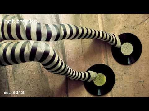 Grace Jones - Williams' Blood (Aeroplane Remix) [HD]