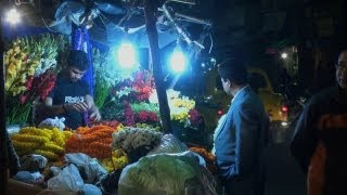 Roadside Flower Shop at Lake Market, Kolkata