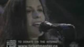Alanis M. - Still @ Music Without Borders (2001)