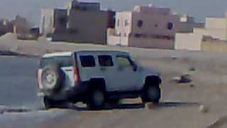 preview picture of video 'Hummer H3 in Bahrain'