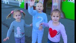 Алиса и ее подружки гуляют в Сочи Парк для детей !!!