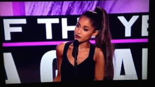 Ariana Grande Wins Artist of the Year AMA