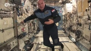 Space kaarten, ESA astronaut Andre Kuipers invites you to follow..