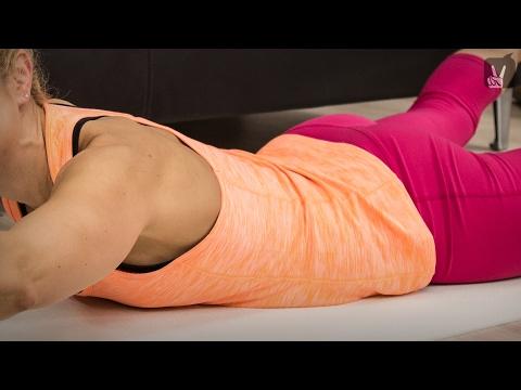 Die Falten unten des Bauches zu entfernen