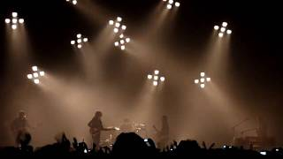 Arctic Monkeys - Dance little liar + Brianstorm - live Barcelona 06-02-2010 (Sant Jordi Club) HD.MTS