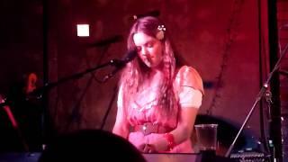 Angus & Julia Stone - Chocolates & cigarettes ( Live at Brudeneel Social Club, Leeds)